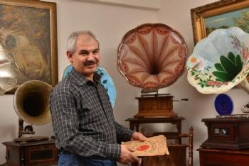 Mustafa Özkan, Gramofon Mustafa Özkan Kimdir,Gramofon Mustafa Özkan Nereli
